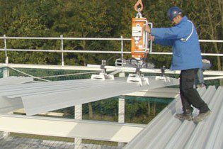 Vacuum lifters for the installation of panels and glass | VIAVAC